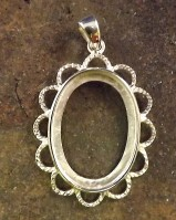 Silver Frill Edge Pendant Setting For 25x18 Cabochon