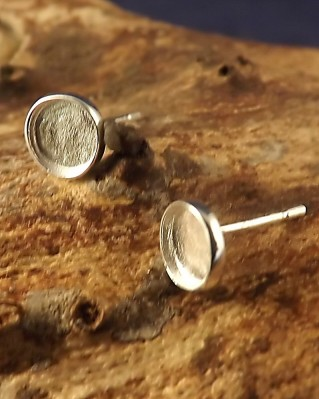 Heavy Silver Collet Style Earstud Round For Cabochon