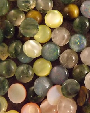 8mm Round Cabochon