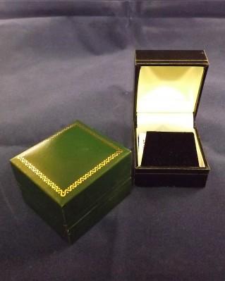 Leatherette earring case