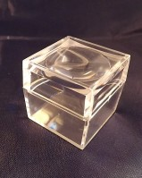 Magnification specimen box