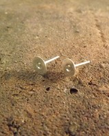 silver stud earrings with pad for glueing stones etc