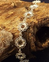 Stunning Silver Daisy Bracelet Holds 11 6mm Cabochons