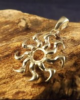 Firery Sun Pendant Setting For 6mm Cabochon