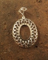 Stunning design silver pendant setting for 18x13 cabochon