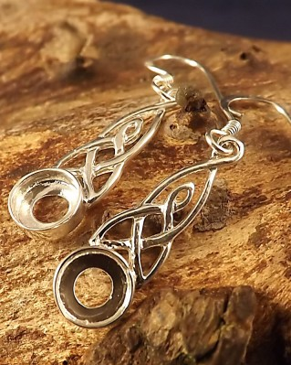 Celtic Drop Earring To Set 6mm Cabochon