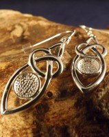 Silver Celtic Drop Mounts For 6mm Cabochon