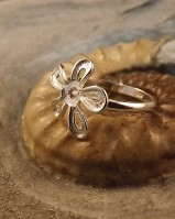 Silver flower ring to fit 4mm stone