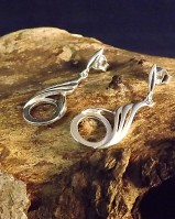 Twist Design Drop Earrings For a 10mm Stone