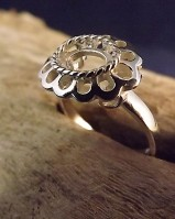 Silver frill ege ring for 8x6 stone