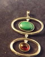 Stone set pendant