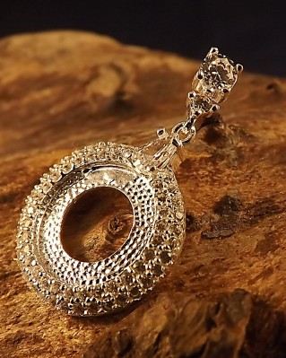 Stunning Silver And cz Pendant To Fit 13mm Cabochon