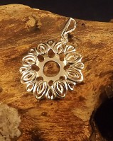 Fancy Flower Pendant For 10mm Cabochon