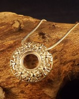 Doughnut Pendant With Chain For 10mm Stone