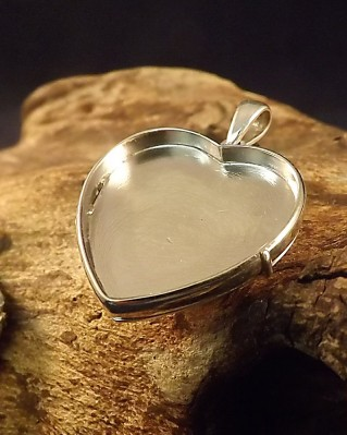 Silver Heart Locket Setting Suitable For Use With Resin