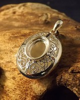 Fillagree Stye Locket For 10x8 Cabochon
