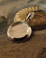 Solid Back Round Pendant Suitable For 17mm Cabochon Or Resin