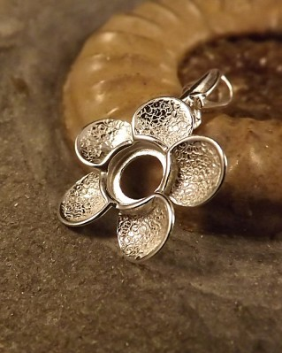 Silver Flower Pendant To Fit A 6mm Cabochon
