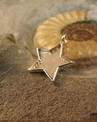 Solid Back Silver Star Pendant Perfect For Resin