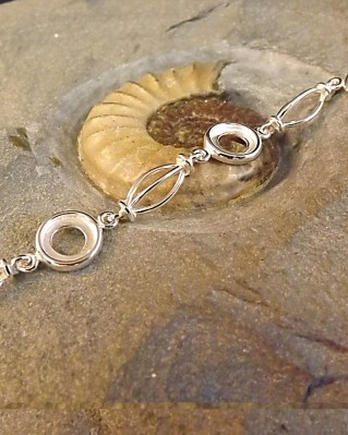 Stunning Silver Bracelet To Fit 5 8mm Cabochons