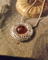 AMBER PENDANT WITH CHAIN