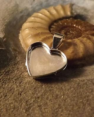 Solid Back Heart Locket