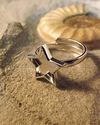 Adjustable Silver Star Ring Suitable For Use With Resin