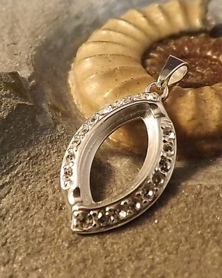 Marquise Pendant With cz