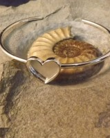 Solid Back Heart Bangle