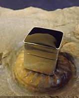 SQUARE PILL BOX WITH ONYX