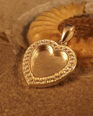 Stunning Silver Heart Pendant With CZ